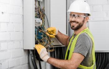 Électricien, un métier aux différentes spécialisations
